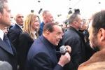 """Coronavirus, Berlusconi a un comizio dall'ospedale: """"Lotto contro una infernale malattia"""""""