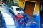 Paternò, reclama il parcheggio per disabili e viene brutalmente picchiato per strada - Il video dell'aggressione