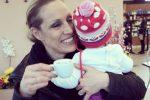 """Annalisa Minetti insultata sui social: """"Sei cieca, non dovevi fare figli"""". Lo sdegno dei fan"""