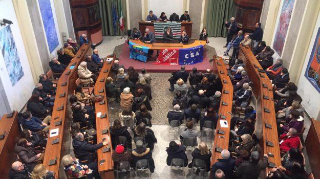 assemblea dipendenti provincia messina, chiusura provincia messina, tagli provincia messina, Cateno De Luca, Messina, Sicilia, Politica