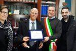 Pasquale Papparella premiato dal sindaco di Crosia