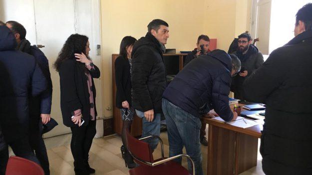 dimissioni consiglieri comunali vibo, sfiducia sindaco vibo, sfiduciato il sindaco di vibo, Elio Costa, Catanzaro, Calabria, Politica