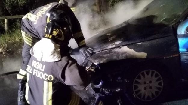 incendio auto lamezia, lungomare marinella, Catanzaro, Calabria, Cronaca