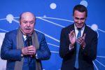 Lino Nanfi con Di Maio durante l'evento del Movimento 5 stelle a Roma