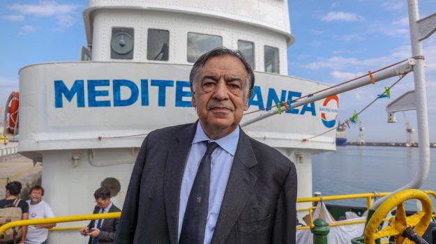 anagrafe palermo migranti, decreto sicurezza, iscrizione migranti anagrafe, Leoluca Orlando, Sicilia, Cronaca