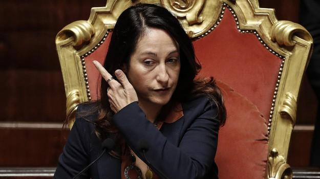 caso taverna, madre taverna, movimento 5 stelle, Paola Taverna, Sicilia, Politica