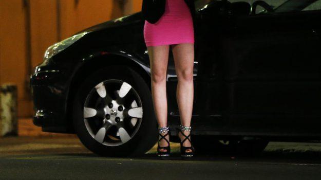 prostituzione, statale 106, Cosenza, Calabria, Cronaca
