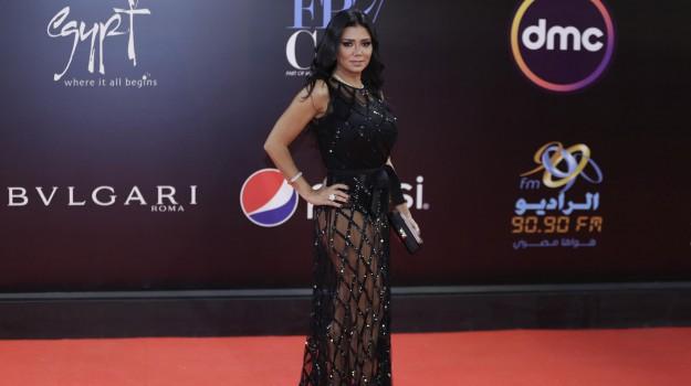 abito osé, cairo film festival, Rania Youssef, Sicilia, Mondo