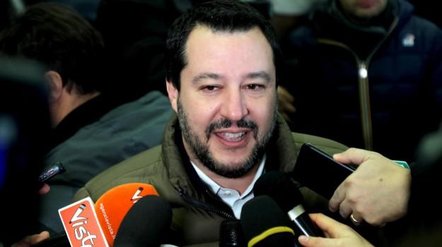 migranti, scafisti, Matteo Salvini, Sicilia, Politica