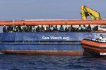 """Sea Watch, Salvini: """"Ok allo sbarco solo se prenderanno la via dell'Olanda"""""""