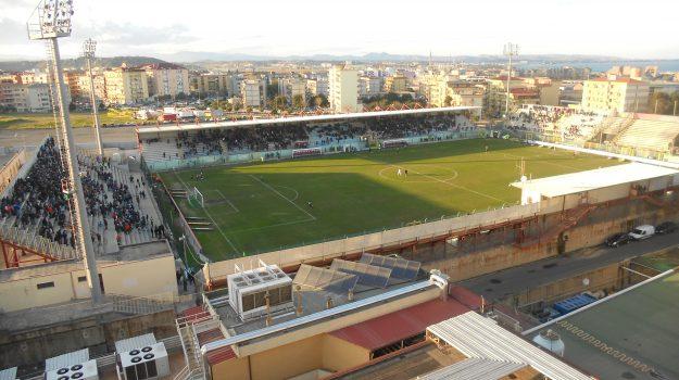 crotone, demolizione, stadio ezio scida, Catanzaro, Calabria, Sport