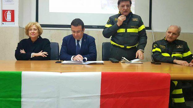 vigili del fuoco, Stefano Candiani, Messina, Sicilia, Politica
