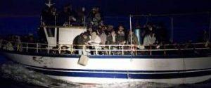 Sbarco di migranti a Torre Melissa, un disperso in mare: arrestati i due scafisti