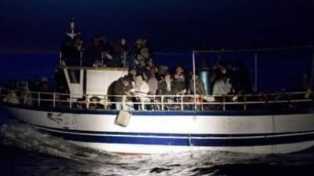 migranti, sbarco torre melissa, scafisti arrestati, Catanzaro, Calabria, Cronaca