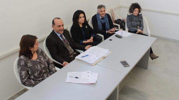 carenza di personale, comune di lamezia, dirigenti sciopero, alessandra belvedere, nadia aiello, Catanzaro, Calabria, Politica