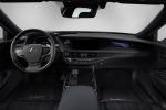 Lexus presenta al CES nuovo prototipo a guida autonoma