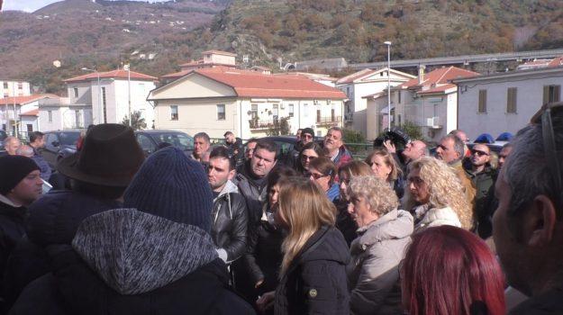 guardia marina, protesta lavoratori, terme luigiane, Giuseppe Ticci, Valentina Pulzella, Cosenza, Calabria, Economia