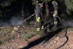Auto di un poliziotto penitenziario in fiamme ad Amendolara
