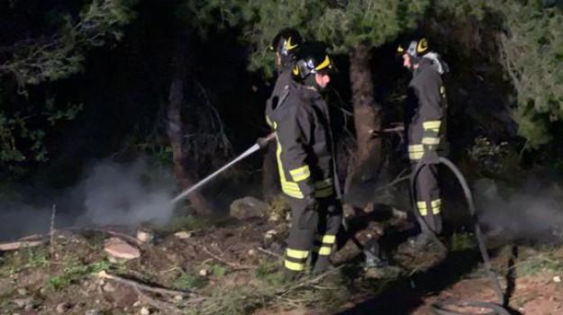 incendio auto amendolara, Cosenza, Calabria, Cronaca