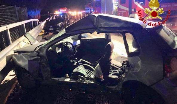 autosole incidente, cinghiali, un morto 10 feriti, Sicilia, Cronaca