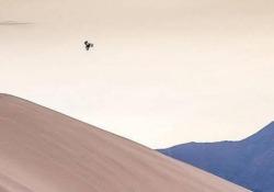 L'impresa di Brad O'Neal in mezzo alle dune del Mojave, in California