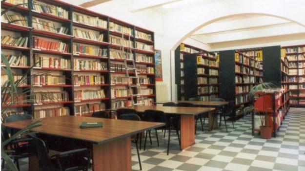 25 mila euro, biblioteca umberto caldora, comuen di castrovillari, Domenico Lo Polito, Cosenza, Calabria, Cultura
