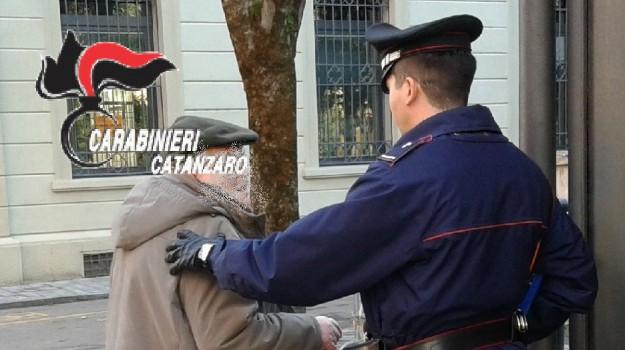 truffa ad anziani catanzaro, truffa badante anziani catanzaro, truffa Catanzaro, Catanzaro, Calabria, Cronaca