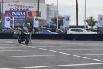 Ces 2019, Bmw e la moto che si guida da sola (senza motociclista)