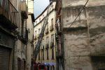 """Cosenza, Santa Lucia nel degrado. I cittadini lanciano un appello: """"Basta palazzi cassonetto"""". Le immagini del quartiere"""