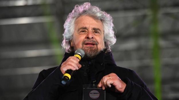 beppe grillo catanzaro, reddito di cittadinanza, Beppe Grillo, Luigi Di Maio, Calabria, Politica