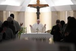Society splits if wealth not shared - pope