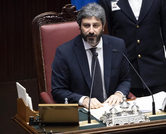 Appello Dei Medici Al Presidente Della Camera Roberto Fico Sospenda La Conferenza Dei No Vax Gazzetta Del Sud