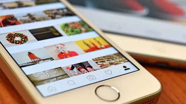 fusione, social network, whatsapp messanger instagram, Mark Zuckerbeg, Sicilia, Economia