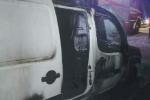Azienda di Curinga nel mirino, bruciato un furgone