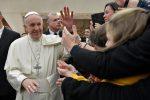 """Pedofilia, il Papa scrive ai vescovi Usa: """"Messa in discussione la credibilità della Chiesa"""""""