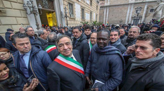 digos comune palermo, scontro orlando salvini, sit in immigrazione palermo, Leoluca Orlando, Sicilia, Politica