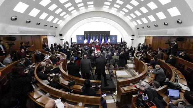 consiglio dei ministri, disavanzo, legge salva-precari, sanità in calabria, Francesco Boccia, Calabria, Politica
