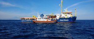 """Migranti, Sea Watch """"inavvicinabile"""": infuria la bagarre politica"""