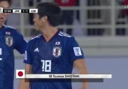 La rete del giapponese nel match contro l'Uzbekistan