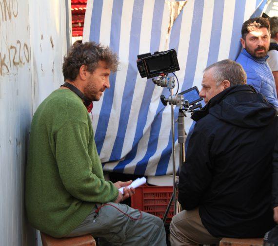 Il regista Giacomo Campiotti al mercato Sant'Orsola in occasione delle riprese del film