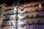 Incendio in un appartamento a Catanzaro, fiamme nello studio e nell'ingresso