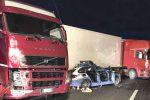Incidente con tre morti sulla Messina-Catania, indagati tre camionisti