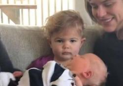 Il video della piccola Eva è stato postato dal padre