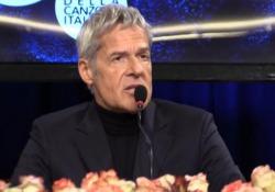Il cantautore presentando il Festival di Sanremo commenta la situazione dei migranti