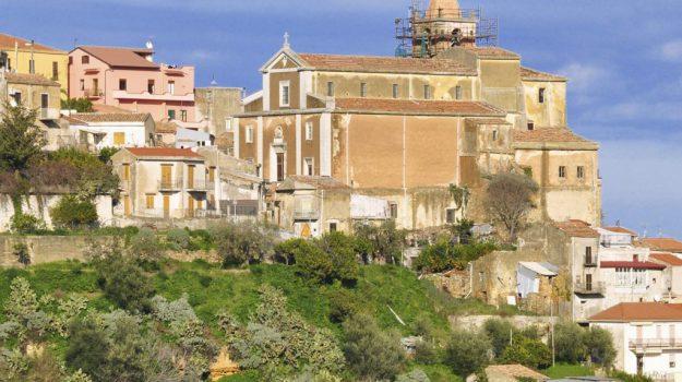 archivio storico di naso, demolizione, messa in sicurezza, maurizio croce, Nello Musumeci, Messina, Sicilia, Cronaca