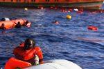 Naufragio di migranti del 2013, a giudizio due ufficiali: morirono 60 bambini