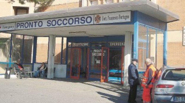 ascensore ospedale Locri, interrogazione ospedale Locri, locri, Giuseppe Conte, Wanda Ferro, Reggio, Calabria, Politica