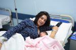 La piccola Eliana con la mamma (Foto di Attilio Morabito)