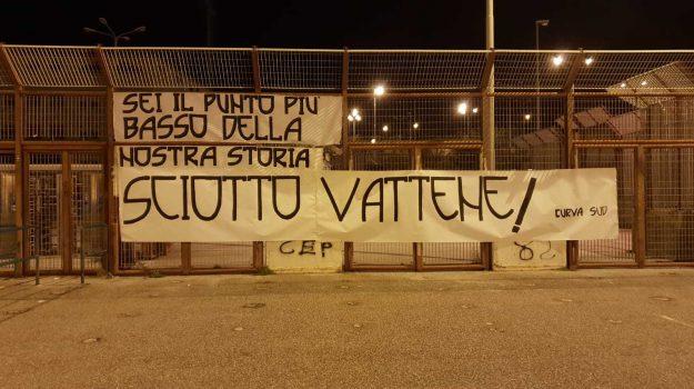marsala, messina, striscione contro sciotto, Messina, Sicilia, Sport