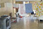 Molte famiglie messinesi vivono all'interno di scuole in disuso